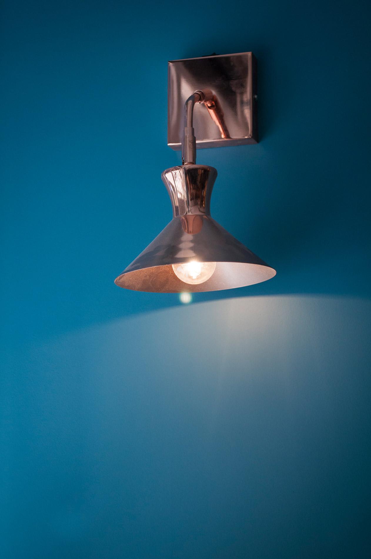 Bleu palombe et design chez Pottoka, le restaurant parisien de Sébastien Gravé